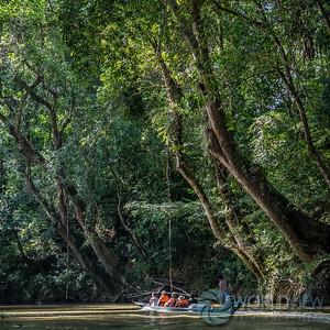 Lemanak River longboat journey (Sarawak, Borneo)