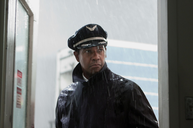 ". This film image released by Paramount Pictures shows Denzel Washington portraying Whip Whitaker in a scene from ""Flight.\"" Washington plays an airline pilot who, despite being hung-over, drunk and coked-up, manages to bring down a rapidly deteriorating plane in a daring emergency landing on what should have been a routine flight between Orlando, Fla., and Atlanta.  (AP Photo/Paramount Pictures, Robert Zuckerman)"
