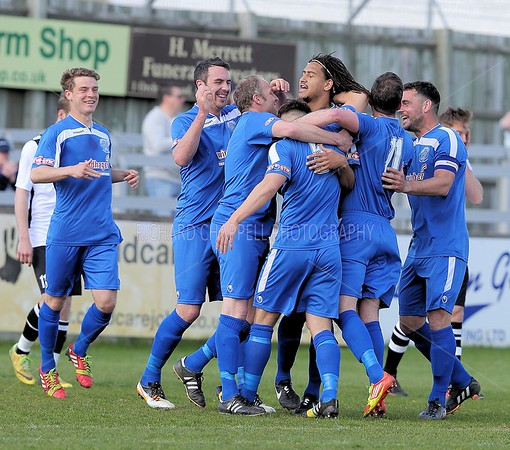 CHIPPENHAM TOWN V CAMBRIDGE CITY MATCH PICTURES  11th APRIL 2015