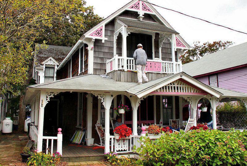 Being a paint salesperson around Martha's Vineyard means living in a target rich environment.