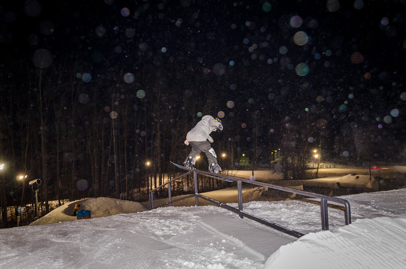 Nighttime-Rail-Jam_Snow-Trails-47.jpg