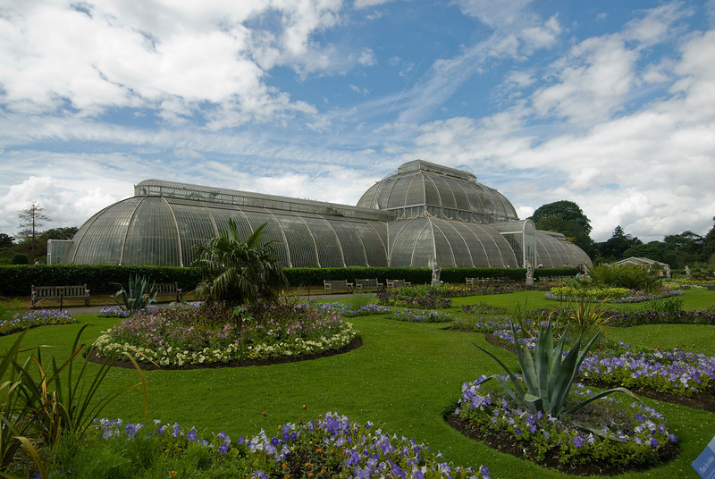 Wide shot of the view in the Royal Botanical Gardens - Kew, England
