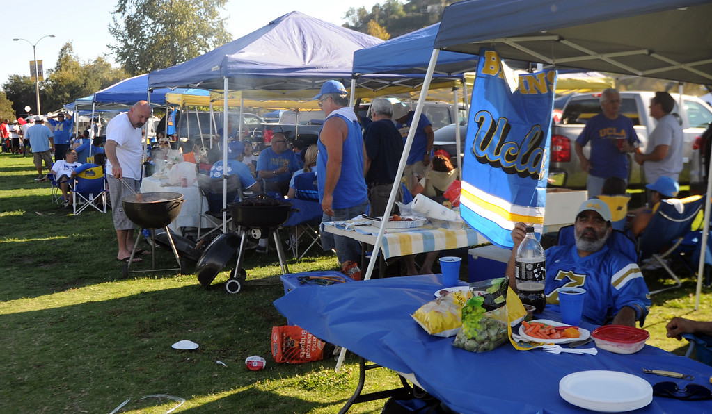 . UCLA fans bbq\'s prior to a college football game between Nevada and UCLA in the Rose Bowl on Saturday, Aug. 31, 2013 in Pasadena, Calif.    (Keith Birmingham Pasadena Star-News)