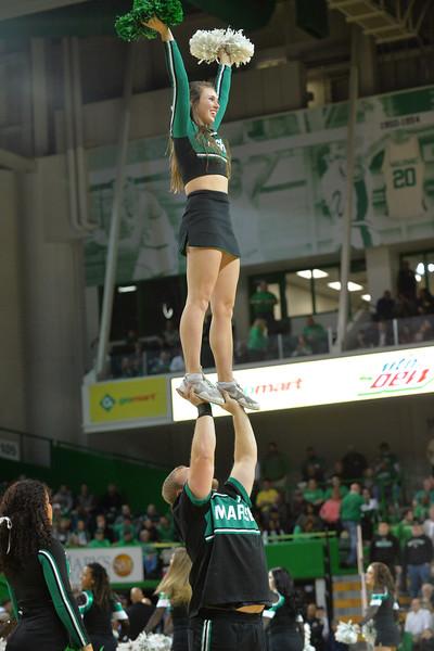 cheerleaders1231.jpg