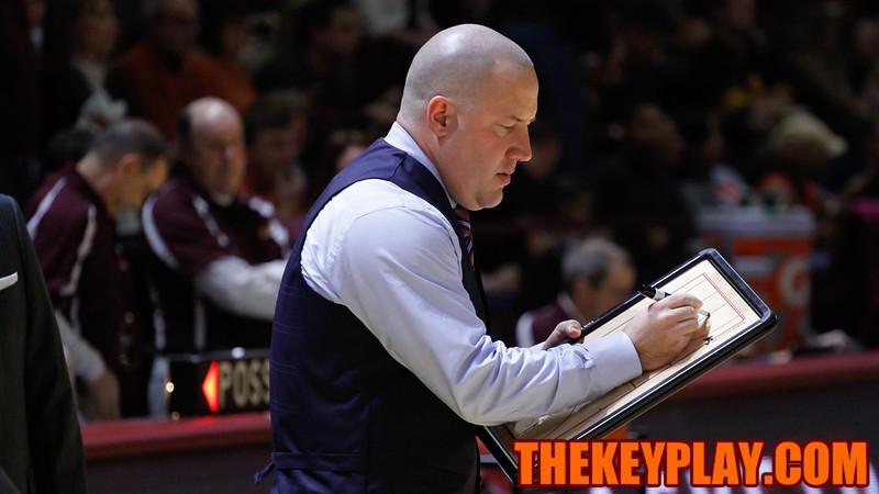 Buzz Williams draws up a play during a timeout. (Mark Umansky/TheKeyPlay.com)