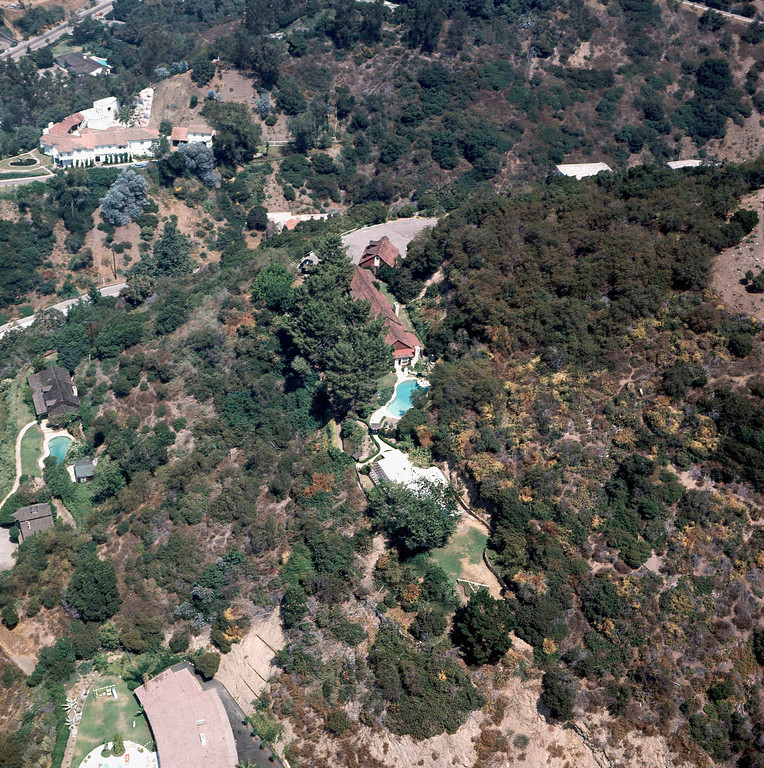 . This is an aerial views of the home in the Los Angeles Bel-Air district rented by film director Roman Polanski and his wife, actress Sharon Tate, where Tate and four others were murdered, shown Aug. 1969. (AP Photo)