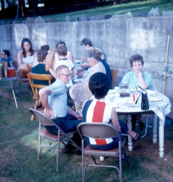 1970_06 fAMILY REUNION vOELKER 01.jpg