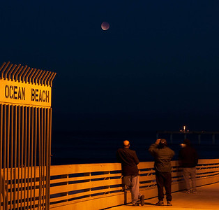 Lunar Eclipse    Dec 10, 2011
