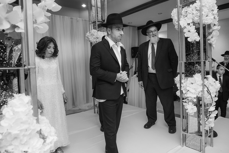 Miri_Chayim_Wedding_BW-555.jpg