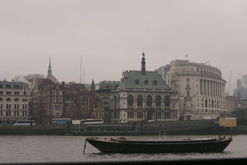 across-the-thames_2090286180_o.jpg