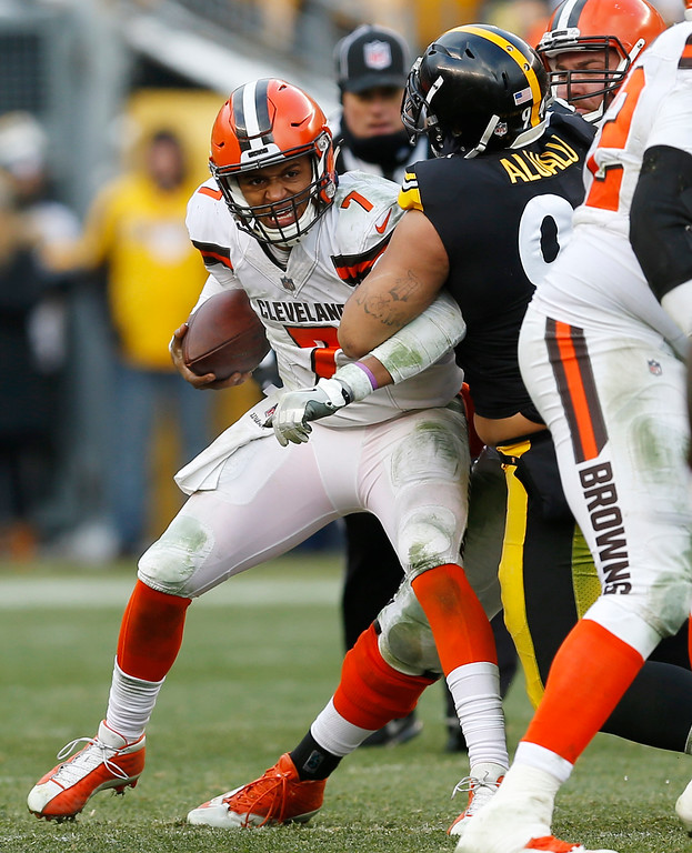 . Cleveland Browns quarterback DeShone Kizer (7) is sacked by Pittsburgh Steelers defensive end Tyson Alualu (94) during the second half of an NFL football game in Pittsburgh, Sunday, Dec. 31, 2017. (AP Photo/Keith Srakocic)