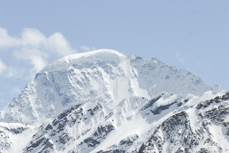 080502 2346 Russia - Mount Elbruce - Day 2 Trip to 15000 feet _E _I ~E ~L.JPG