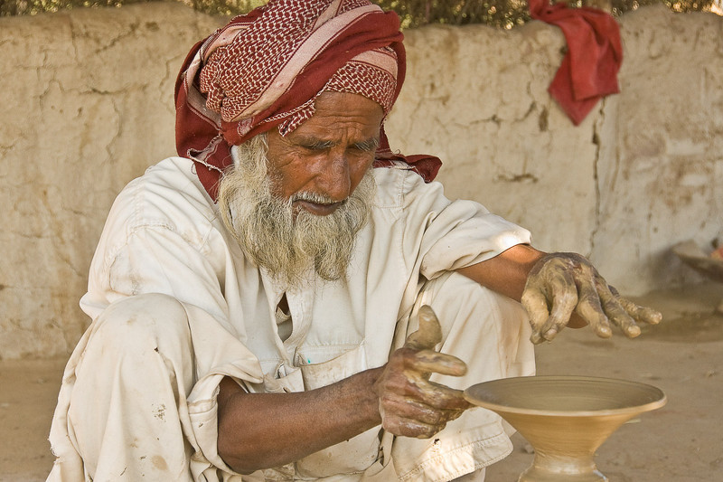 Potter, Rann of Kachchh, Gudjarat, India