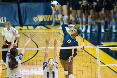 34915 Volleyball vs Morehead State September 2018