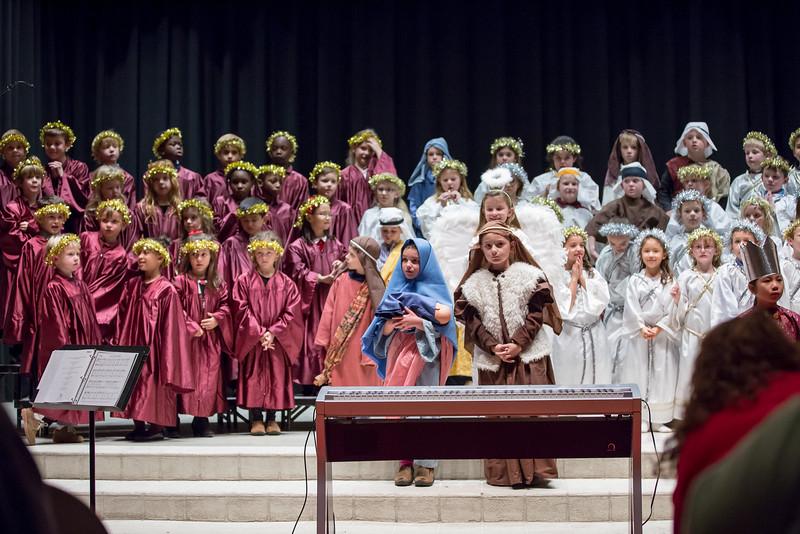 1st grade Christmas program (31 of 49).jpg