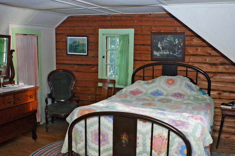 Bedroom | Looking South