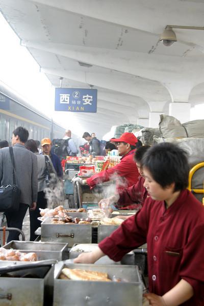Xian station vendors Qinghai -Beijing to Tibet Railway, Beijing to Lhasa  Oct  2006