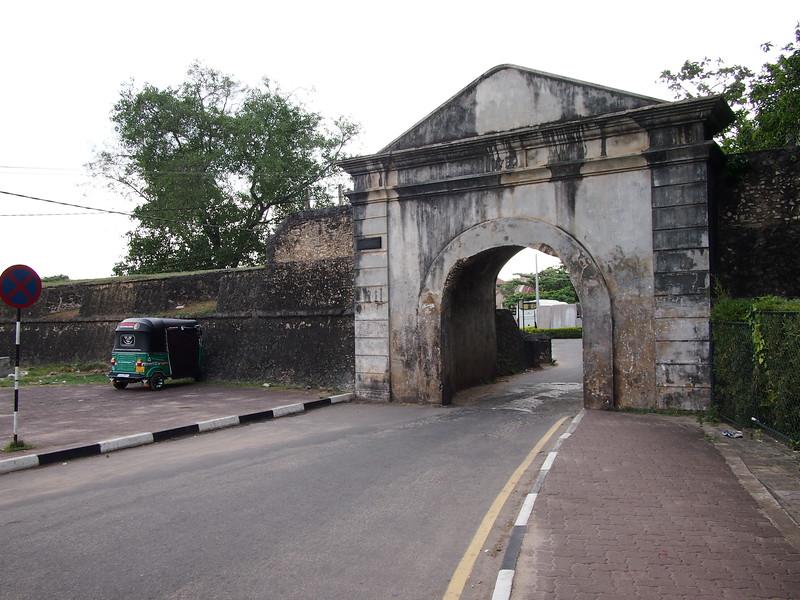 P2178625-fort-gate.JPG