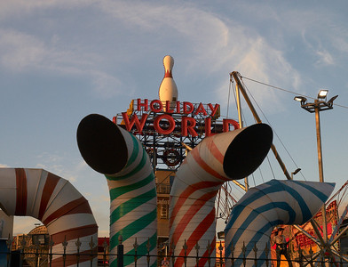 6. Holiday World