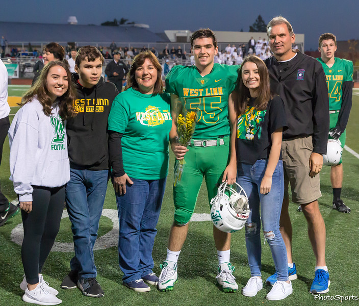 2018 West Linn Seniors-1480.jpg