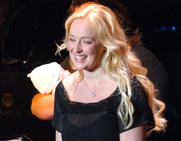 Description of . Singer Mindy McCready performs at the V-Day Presentation of Any One Of Us: Words From Prison at Alice Tully Hall - Lincoln Center June 21, 2006 in New York City.  (Photo by Brad Barket/Getty Images)