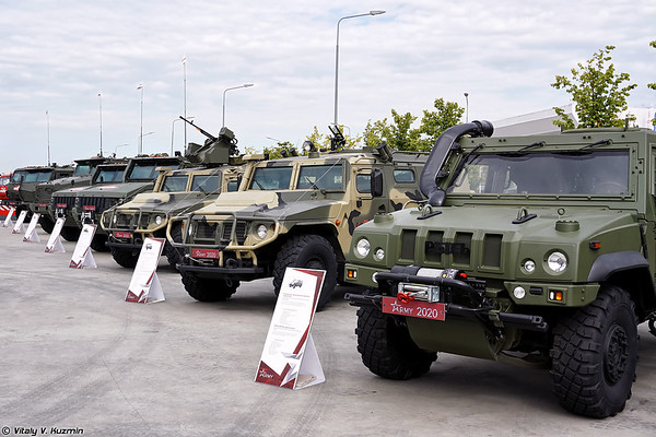 Military-technical forum ARMY-2020 - Static displays part 2: Armoured vehicles, trucks and Artillery