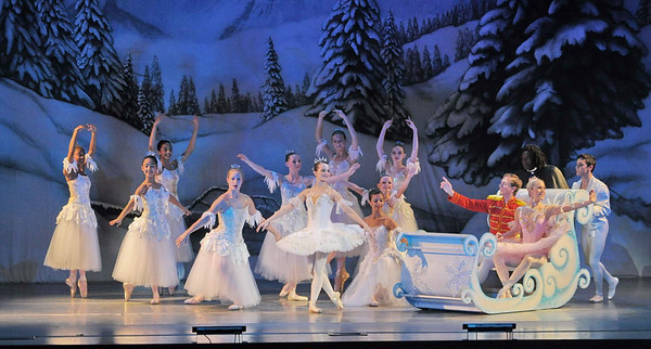 Nutcracker by Naples Ballet