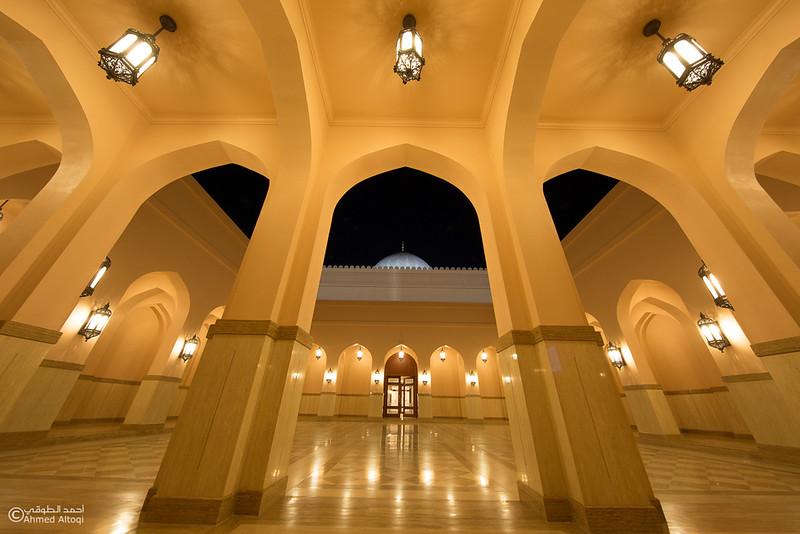 Sultan Qaboos Mosque - Fanja (1).jpg