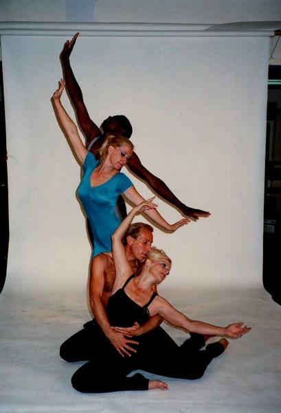 Dance_0021_b.jpg