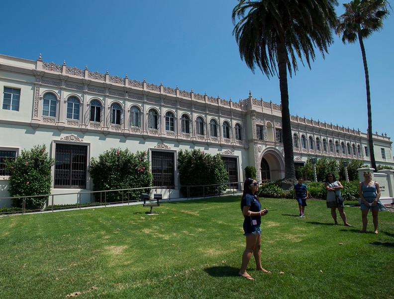 Maggie_Cal_Coll_tour-San Diego-6941-72 DPI.JPG