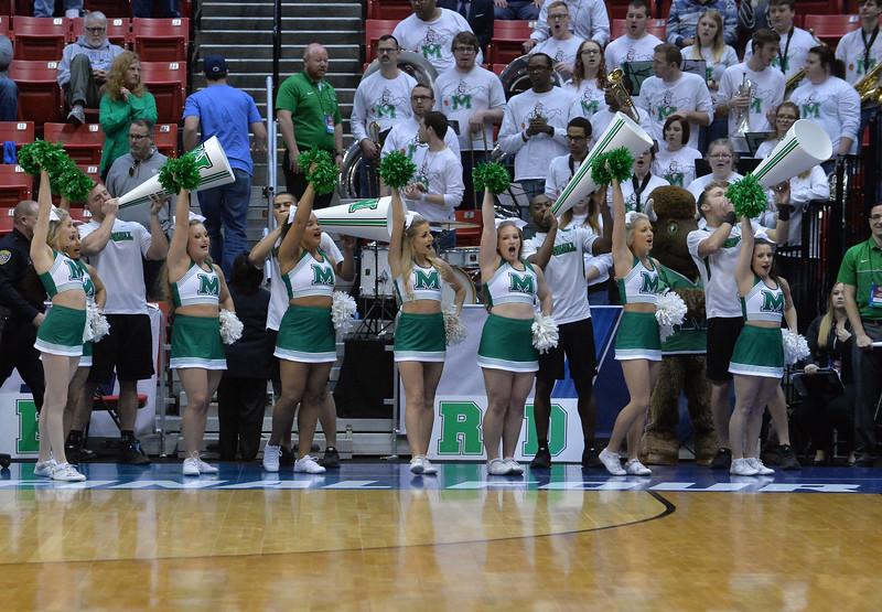 cheerleaders3794.jpg