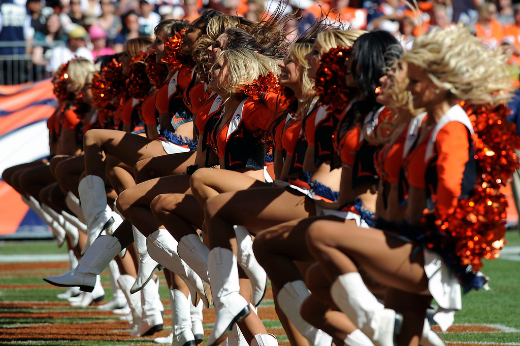 . Denver Broncos  cheerleaders after the first quarter.  (Photo by Steve Nehf/The Denver Post)