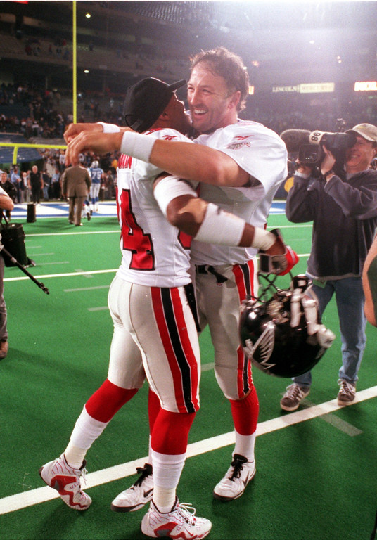 . LIONS LOSE TO ATLANTA FALCONS 17-24. AT THE PONTIAC SILVERDOME. Post game celebration as Atlanta Falcon\'s lock up victory over Detroit Lions and their NFC Western Division. L)#34 Ray Buchanan and #12 QB-Chris Chandler.