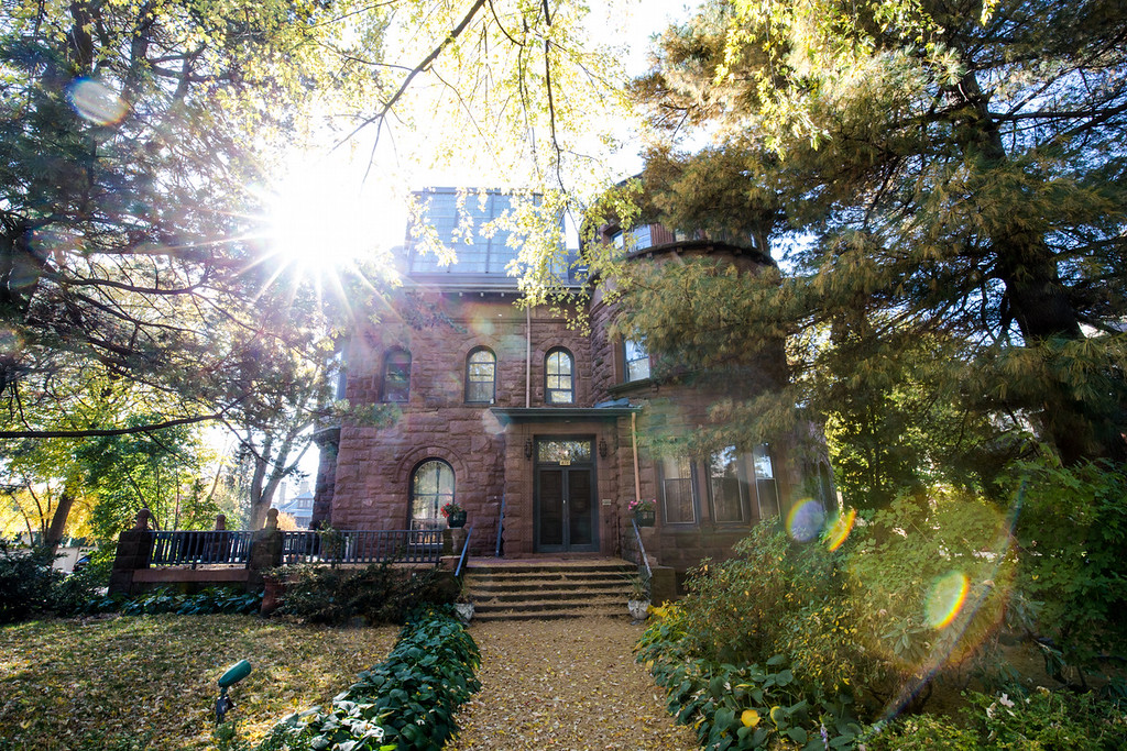 . The Griggs Mansion, 476 Summit Ave., housed an art school and gallery. amd students reported seeing disembodied heads floating through the hallways. (Pioneer Press: Andy Rathbun)