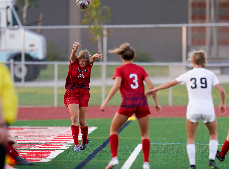 CCHS-vsoccer-pineview1171.jpg
