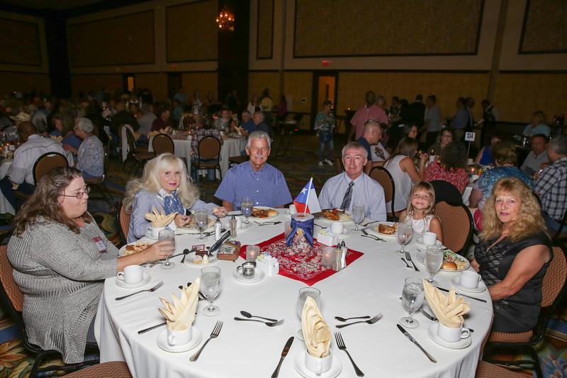 Banquet Tables 182207.jpg