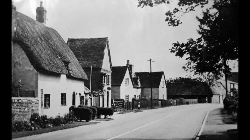 Old cottages, including Hazel Cottage