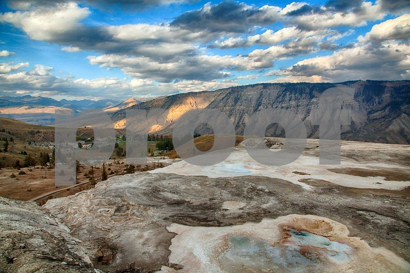 YNP Mammoth overview 4106_HDR.jpg