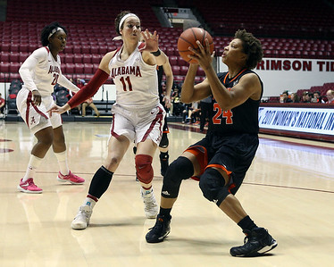 2017 Mercer at Alabama, Women's Basketball