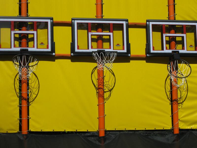 The last three hoops at Long Shot, all bent at various angles.