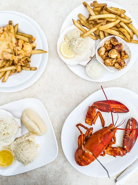 Halls Harbour Lobster Pound table_-3.jpg