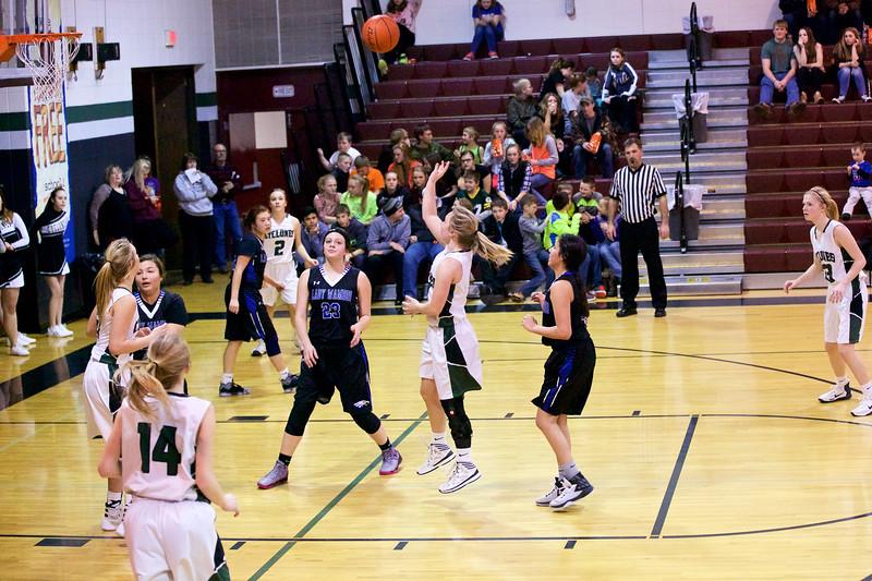 '17 Cyclones Girls Basketball 496.jpg