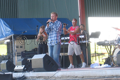 KAT103.7 Fun Country Festival 2004