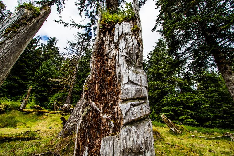 Ninstints Mortuary Pole Half Face.jpg