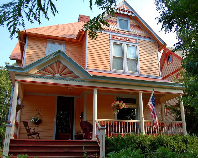 House 4: 620 East Main