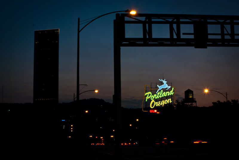 Portland 201208 Bridge at Night (12).jpg