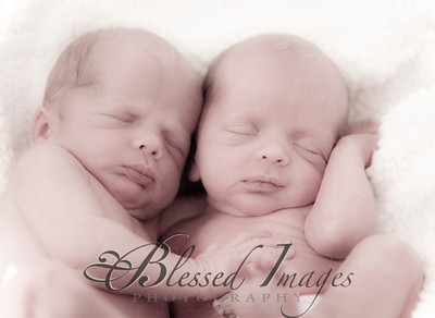 Kensley is a BIG SISTER! OF TWINS!!!!