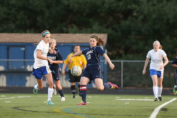 AHS scores late to top WAHS 2014