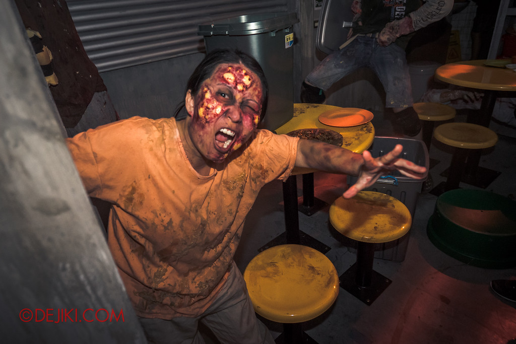 Halloween Horror Nights 6 - Hawker Centre Massacre / Infected Aunty