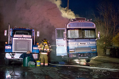 41/43 - W Kings Hwy - RV Fire